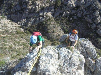 Climbing in Cresta de Benicadell ridge Level IV