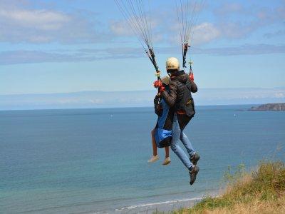 Tandem Acrobatic Paragliding in Mallorca