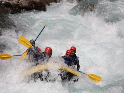Rafting in the Ara River w. Meal, Full Day