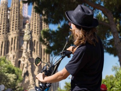 2-Hour Sagrada Familia Tour By eScooter