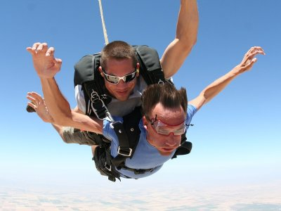Skydiving from 3,000 mtrs in Villamartín