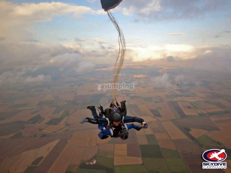 Deploying the parachute
