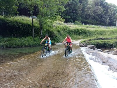 Rent e-bike in Vall de Bas during a day