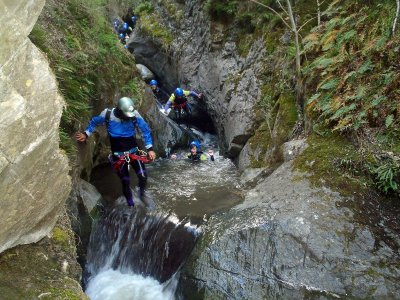 Initiation to canyoning in Berrós for families