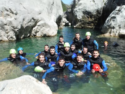 Teambuilding with water trekking in Gerona