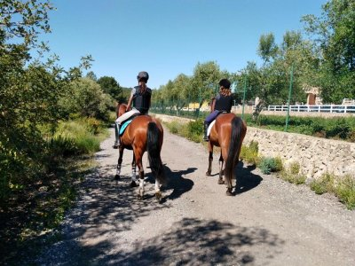 Special couples 1h horse tour in Tarragona