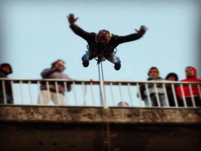 Bungee jumping for Couples in Saldes, 2 Jumps