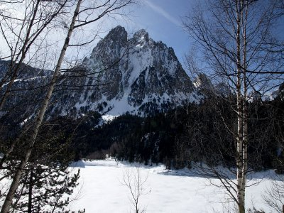 Romantic pack and snowshoes in Sant Maurici Park