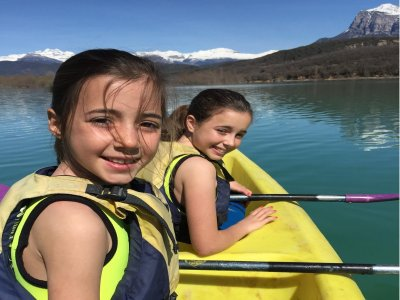 Canoe trip for children in Mediano lake 3 h