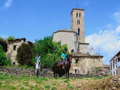 1h horseback riding tour and lunch in Madrid