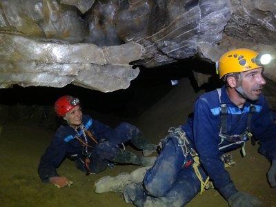 Spelunking in Yeso cave in Almería