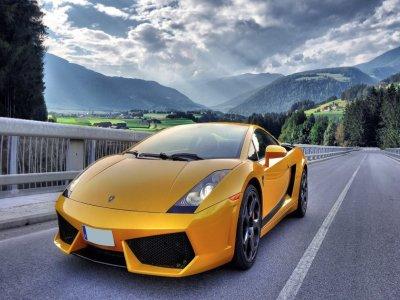 Drive a Lamborghini Gallardo 22 km Barcelona