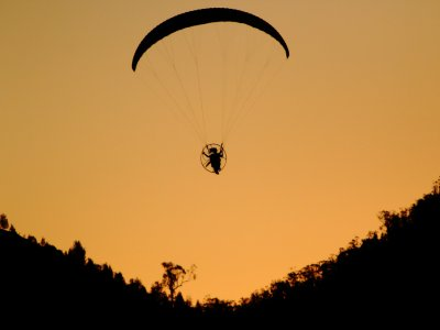Paragliding with Parapente Paramotoring