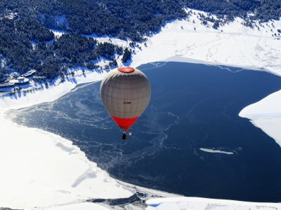 Hot-air balloon flight Eastern Pyrenees 4h