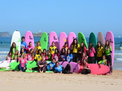 Surfing classes for schools in Somo 2 horas