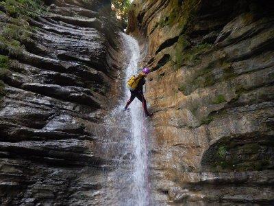 Descent Ravine Estarón level II La Guingueta