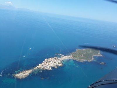 Light aircraft flight to Tabarca island 1 hour