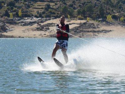 Water skiing at El Barraco reservoir 1 hour