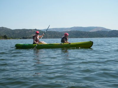 Kayak rental in Burguillo lake 1 hour