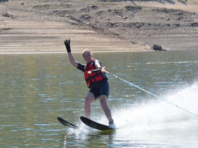 Wakeboarding, water skiing and food El Burguillo