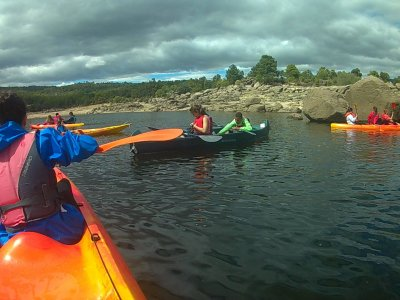 Canoe rental in Pantano de Burguillo 60 min