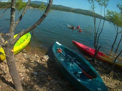 Canoe rental children Burguillo reservoir 60 min