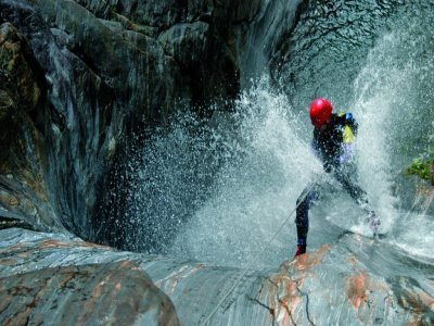 Canyoning and Via Ferrata pack in Pyrenees Aragón