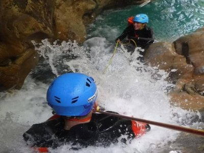 Canyoning Río Verde integral in Otívar 6 hours