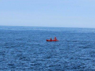 Single or two-seater kayak rental Caión 90 min