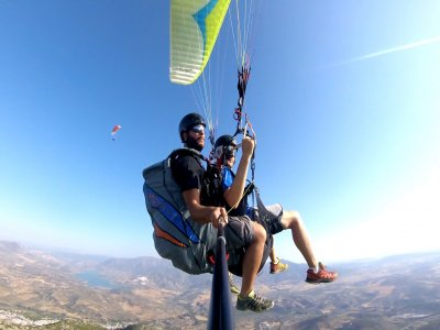 Paragliding flight + Take the controls
