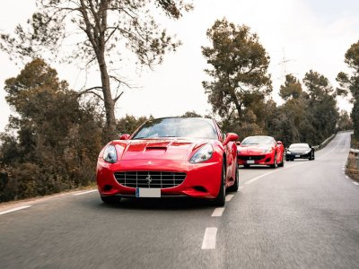 Drive a Ferrari California 90 min in Barcelona
