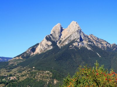 Hiking in Pedraforca 6 hours