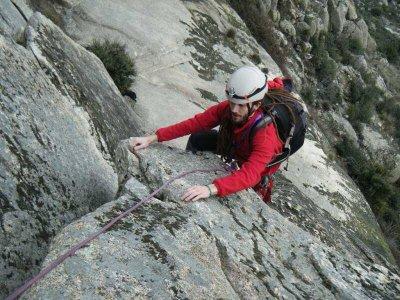 Classic climbing initiation in Guadalajara 6 hours