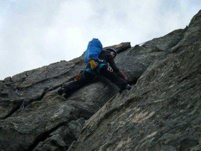 Classic climbing level III in Guadalajara 6 hours