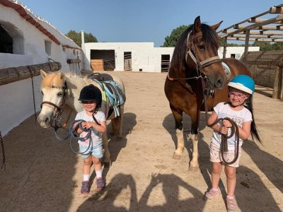 Horseback riding for children in Cala Mitjana