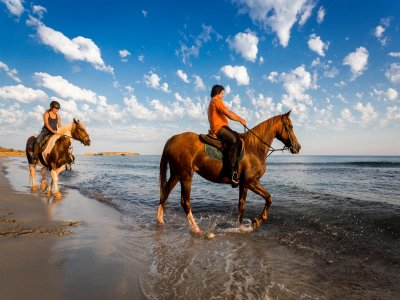 Horseback tour to beaches sotuhern coasts Minorca