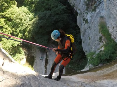 Canyoning descent of Arteta in Navarra 4 hours