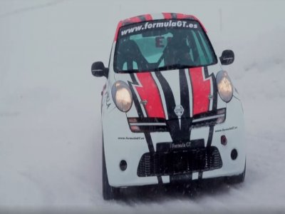 Drive Nissan Micra in the snow Andorra 2 laps