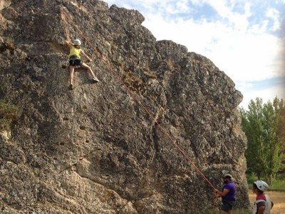 Rock climbing session in Guadalajara 1 hour