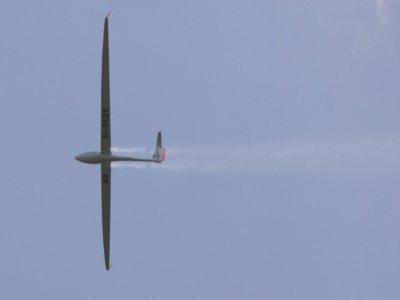 Acrobatic flight in two-seater glider in Sta Cilia