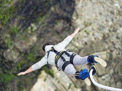 Bungee jumping in Saldes 30 meters
