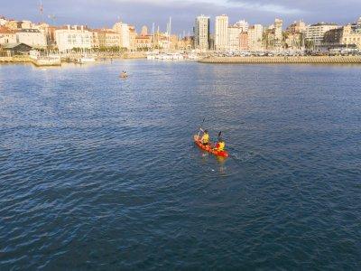 2-seater kayak rental in Gijón for 1 hour