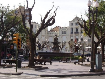Guided tour of center of Huesca with tickets 2 h