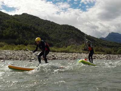 White water paddle surfing route in Escalona 3h