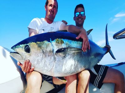 Off-shore trolling fishing on shared boat in Dénia