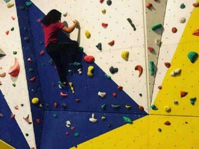 Indoor climbing course in Alcoy 4 hours