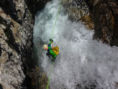 Canyoning Gloces ravine initiation level Pyrenees
