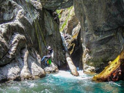 Canyoning in the Irués Gorge, medium level