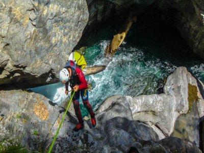 Barranco de Ordiso level III in the Pyrenees 4 h