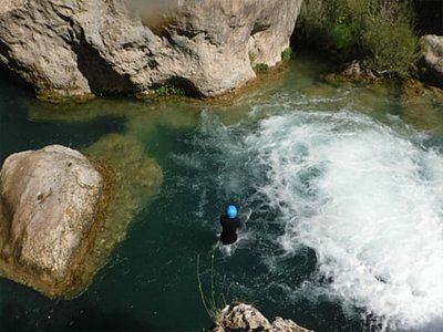 Canyoning in the Boca del Infierno in Huesca 2h